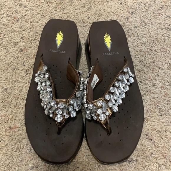 NEW Volatile Wedge Sandals Size 7